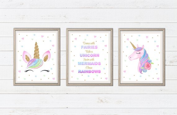 Gorgeous unicorn printables for a little girl's bedroom!